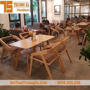 bàn ghế gỗ cà phê katakana